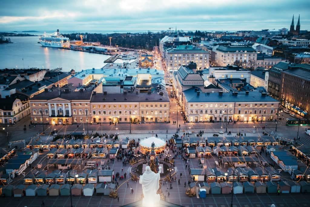 Vista aérea do Mercado de Natal de Helsinki