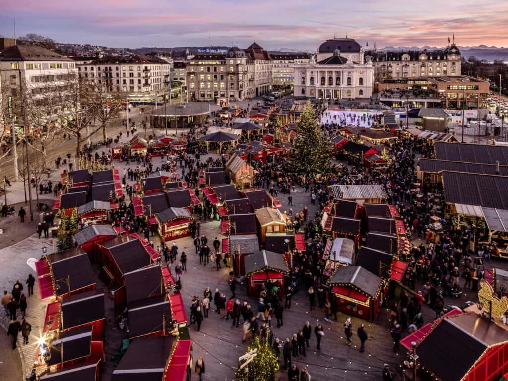 Vista aérea do Mercado de Natal de Zurique