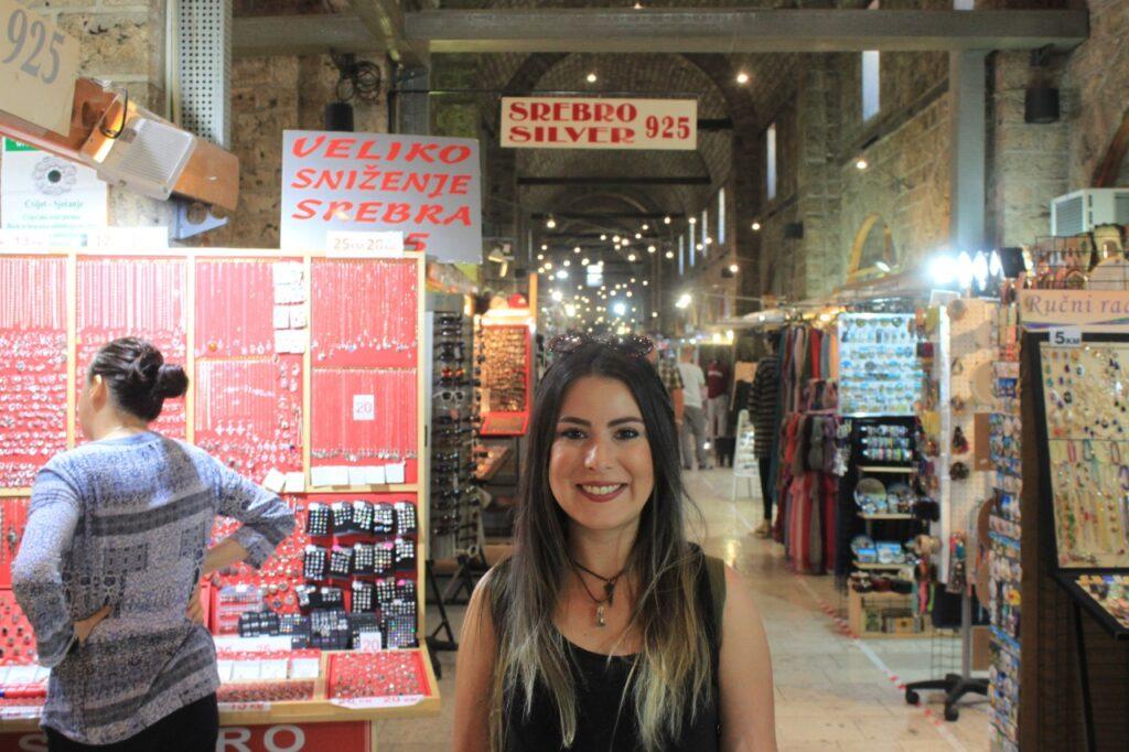 Dentro de um dos mercados otomanos em Sarajevo