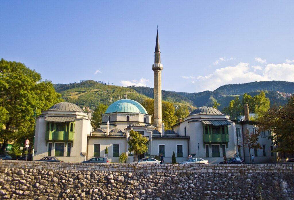 A Grande mesquita do Imperador com uma torre