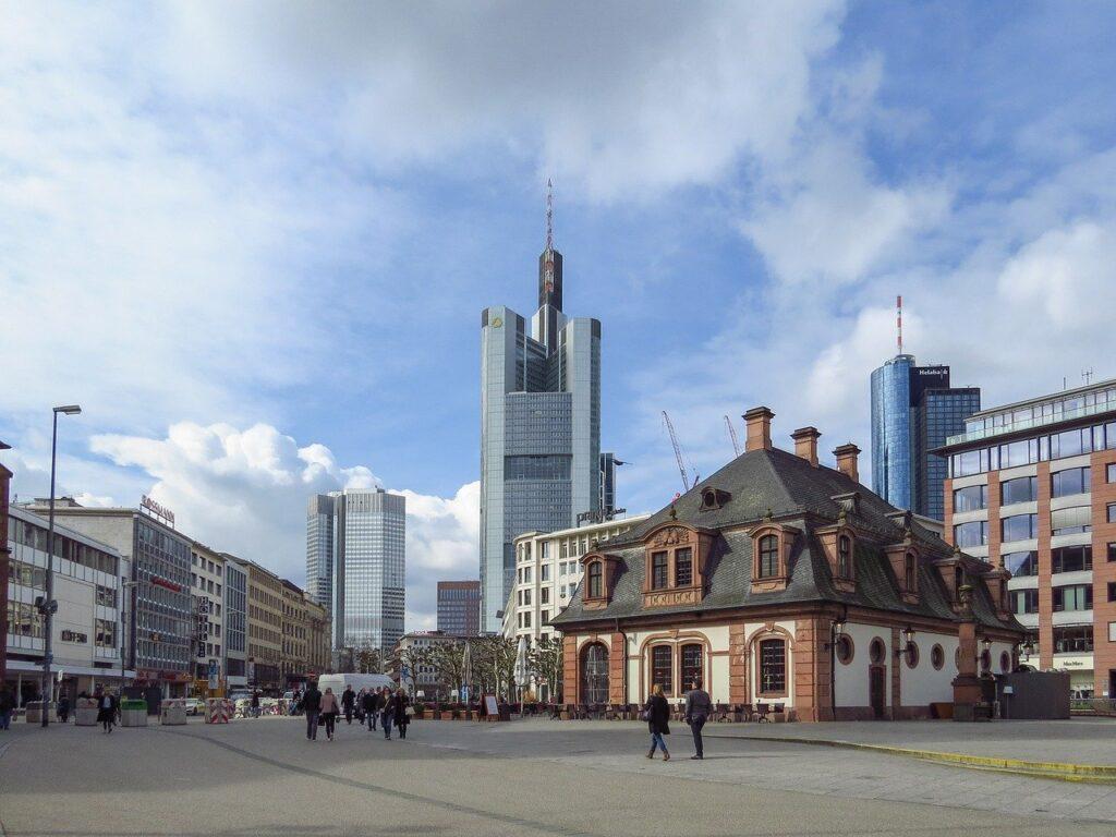 Estação Hauptwache em Frankfurt, a estação mais próxima do centro turístico da cidade