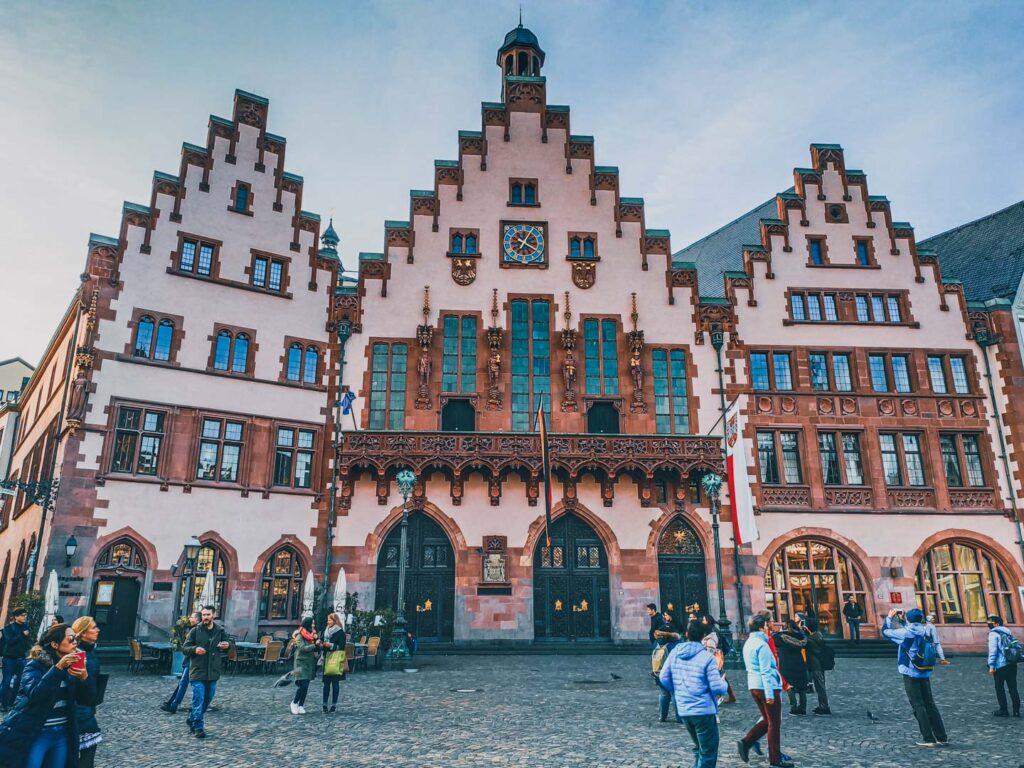 Prédio da prefeitura (rathaus) no centro histórico de Frankfurt, Praça Römer