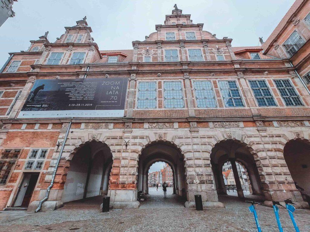 O Green Gate encerra o Caminho Real, e hoje em dia o seu edifício é uma das filiais do Museu Nacional de Gdansk.
