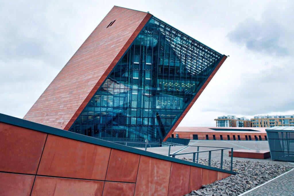 O moderno e interativo Museu da Segunda Guerra Mundial de Gdansk, Polônia