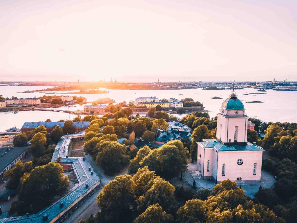 Igreja de Suomenlinna e o que fazer no arquipélogo de Helsinki