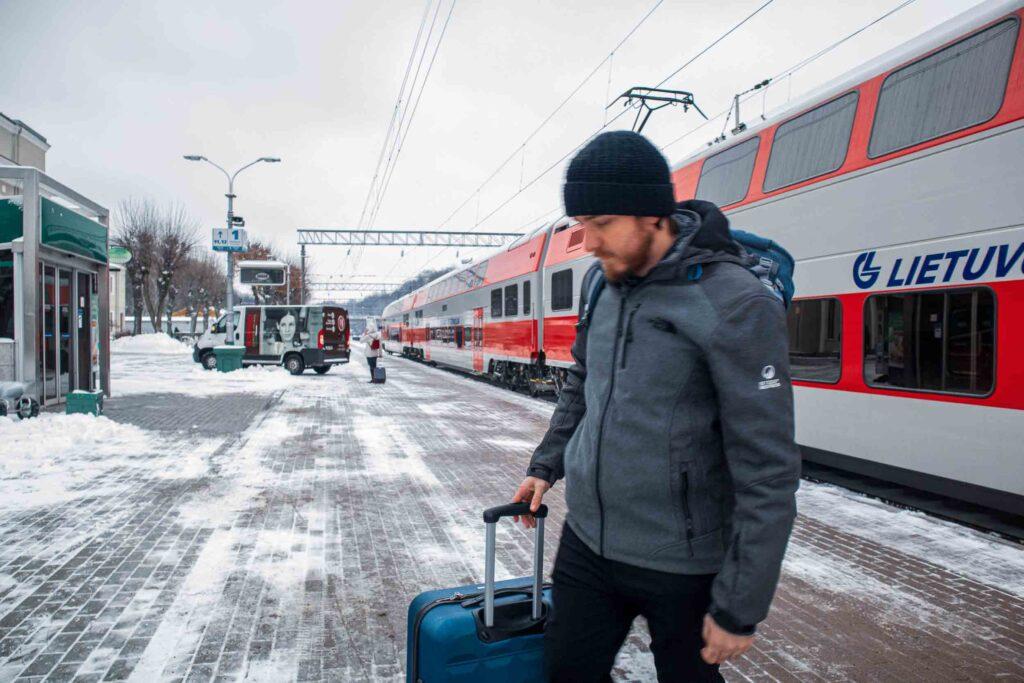 Como é andar de Trem na Lituânia, trajeto de Kaunas para Vilnius