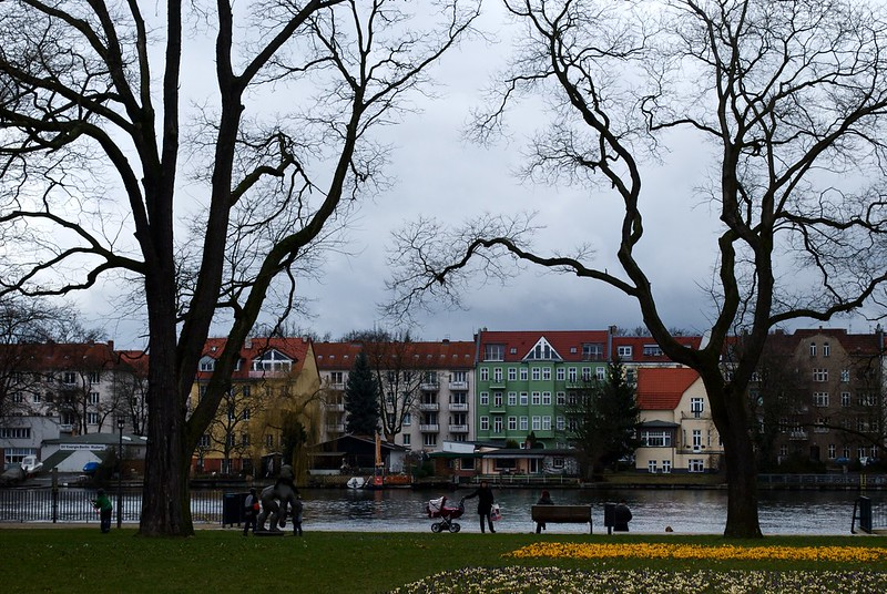 Köpenick tem um centro antigo, com casas típicas alemãs e muita área verde. É um lugar ideal para incluir em um roteiro de viagem para Berlim.