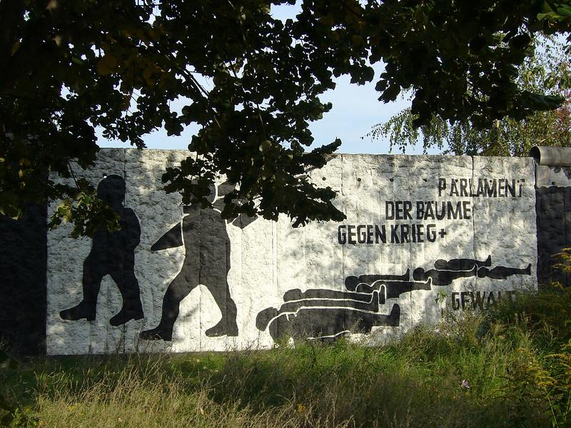 O Parlamento das Árvores ou Parliament of Trees é um local diferente para visitar em Berlim e um memorial.